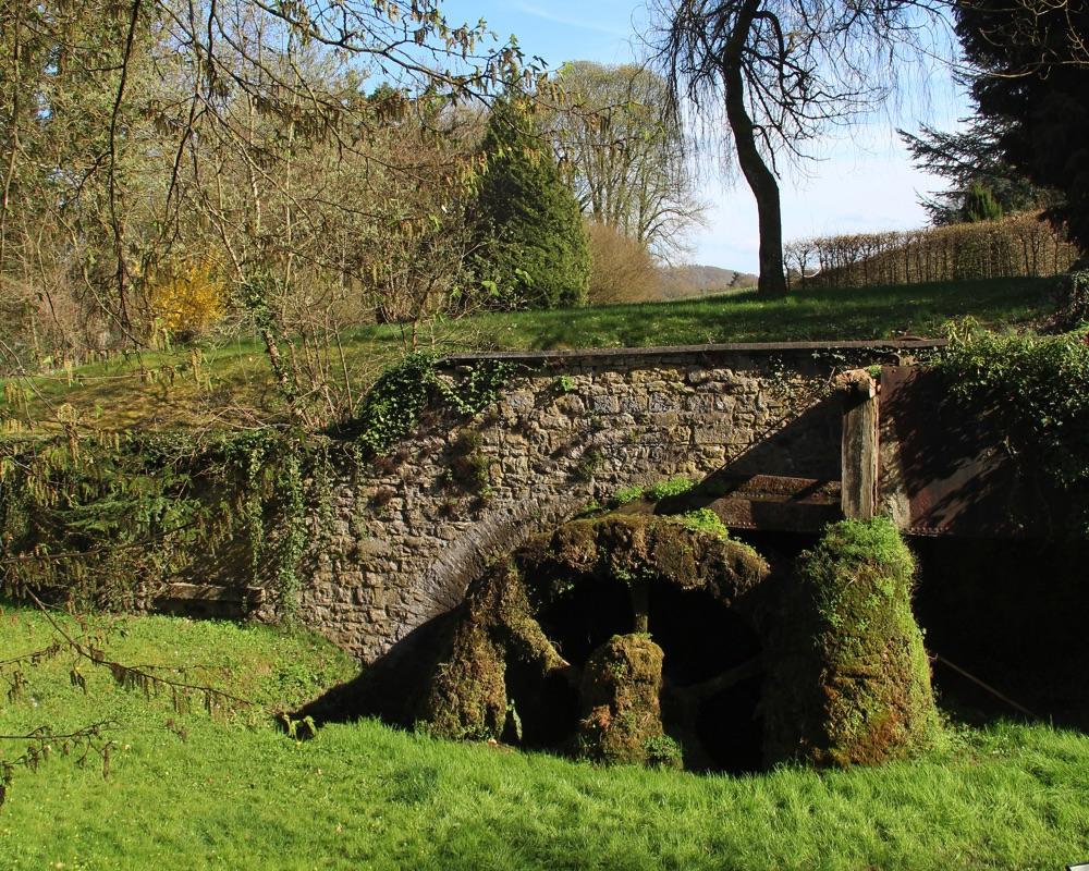 Le Moulin des Jardins d''Annevoie côté Jardins