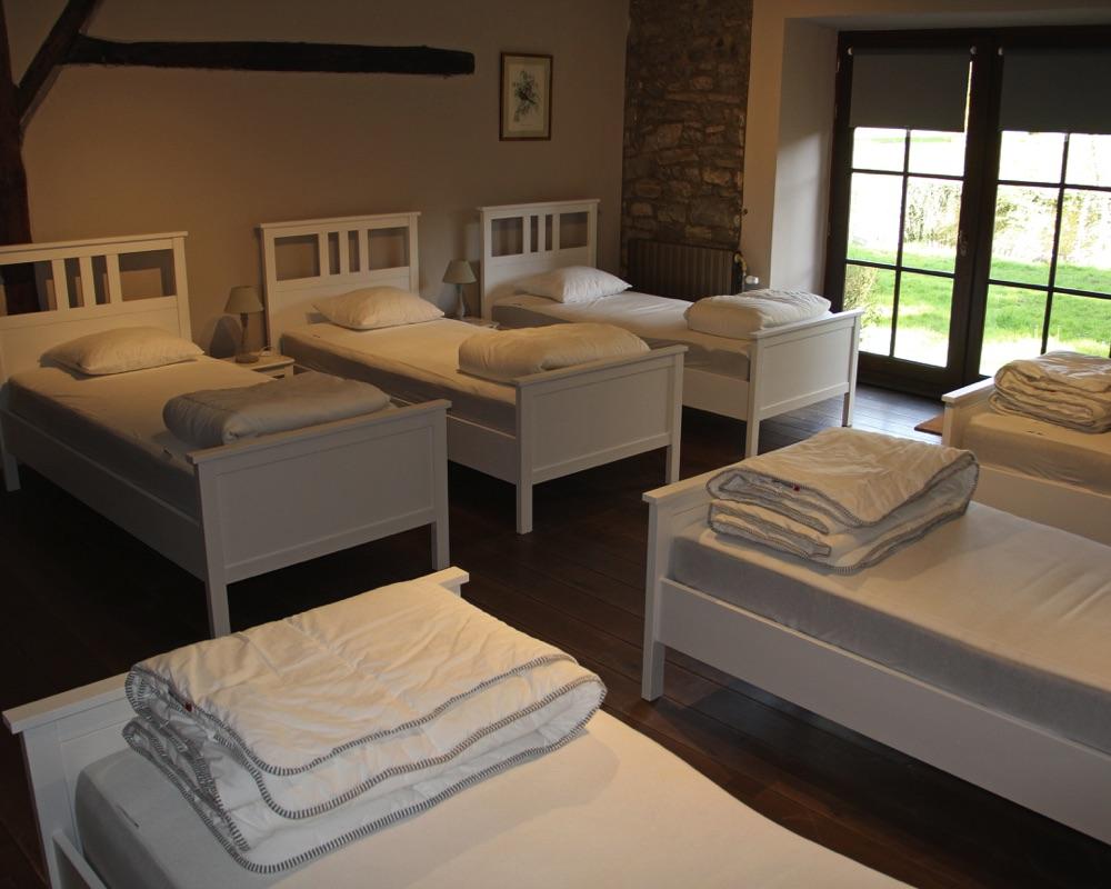 Chambre à coucher 6 lits au rez-de-jardin du Moulin d'Annevoie