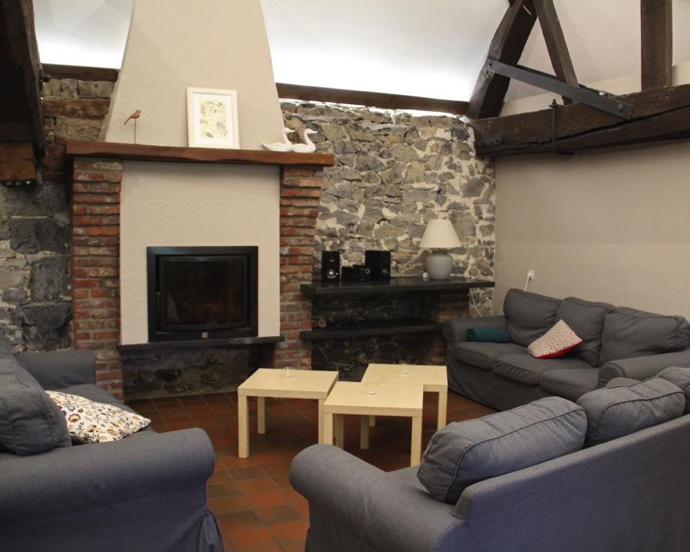 Le-Moulin-des-Jardins-d'Annevoie-salon cheminée
